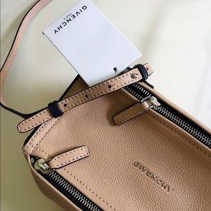🌷NWT Givenchy Mini Pandora